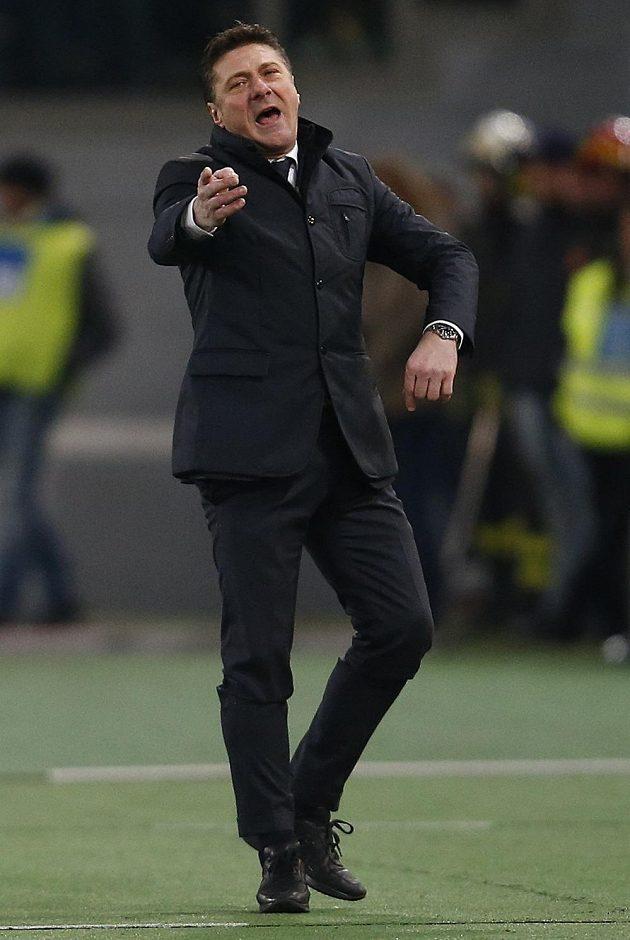 Neapolský trenér Walter Mazzarri na lavičce řádí!