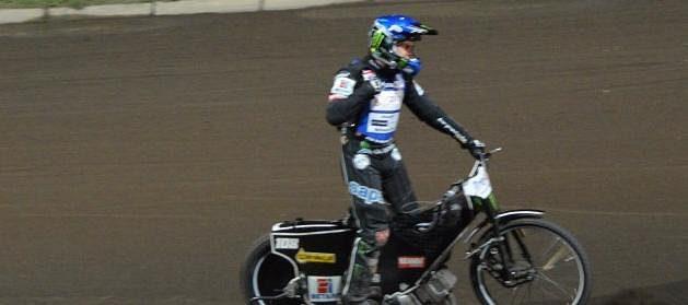 Je dobojováno. Tai Woffinden z Británie vyhrál GP v Praze na Markétě potřetí v řadě.