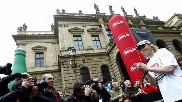 Pavel Nedvěd byl největší atrakcí Pražského půlmaratónu.