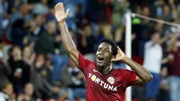 Sparťan Bony Wilfried oslavuje svůj gól Jablonci