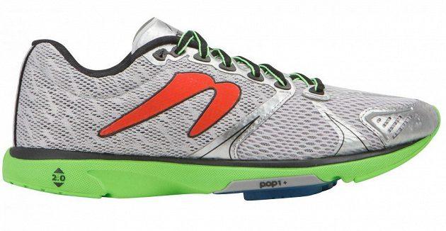Newton Distance 5: Svérázná bota má drop pouhé 2 mm.