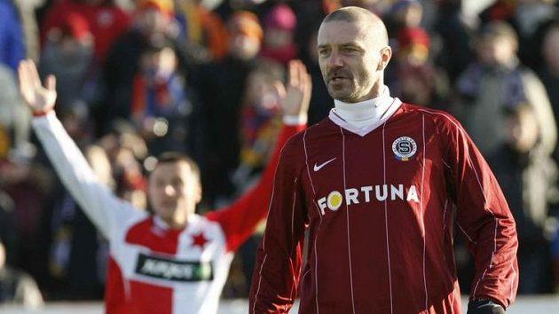 Tomáš Řepka v dresu Sparty během silvestrovského derby se Slavií.