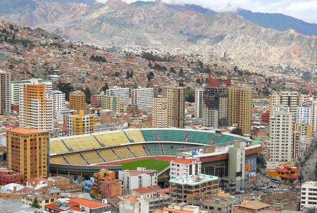 Stadión Hernanda Silese v bolivijském městě La Paz leží 3600 metrů nad mořem.