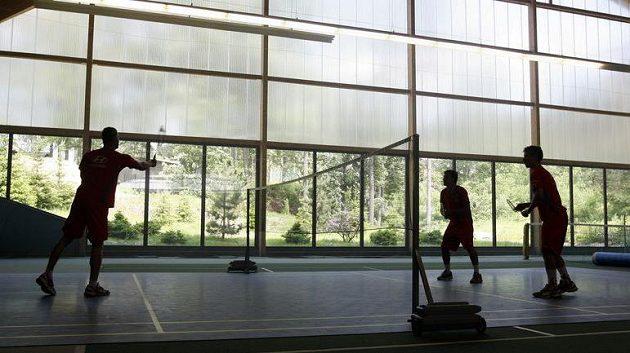 Přípravu jedenadvacítky zpestřil také badminton.