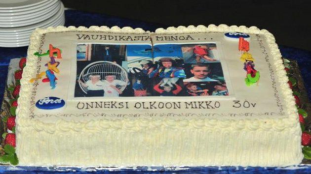 Dort, který dostal pilot týmu Ford Mikko Hirvonen k 30. narozeninám.