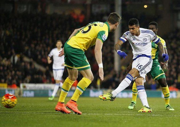Kenedy z Chelsea dává nejrychlejší gól sezóny.