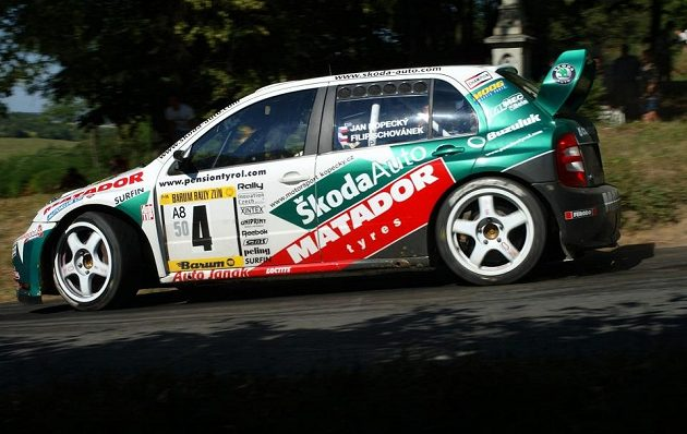 Jan Kopecký se Škodou Fabia WRC na trati Barum rallye 2004.