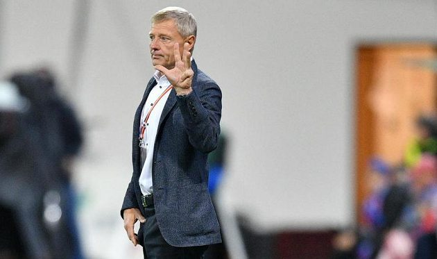 Trenér fotbalové Sparty Zdeněk Ščasný během utkání s Viktorií Plzeň.