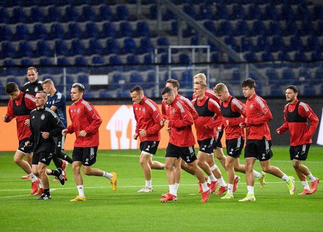 Fotbalisté Sparty Praha během tréninku v Kodani.