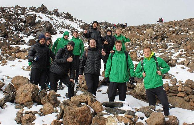 Jablonečtí fotbalisté při výstupu na Teide