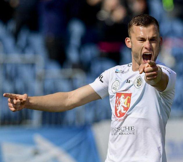 Střelec gólu Erik Prekop z Hradce Králové slaví.