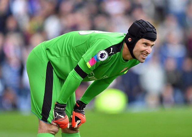 Petr Čech během zápasu proti Burnley.