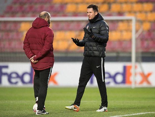 Trenéři Tomáš Požár (vlevo) a David Holoubek.