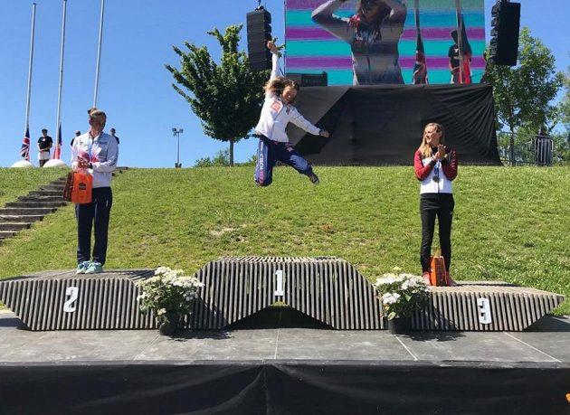 Česká kajakářka Amálie Hilgertová ve svém prvním velkém seniorském finále dokázala vybojovat titul mistryně Evropy ve vodním slalomu.