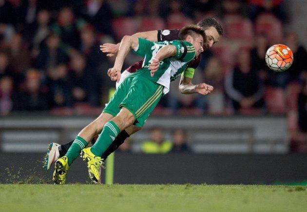 David Lafata ze Sparty (vzadu) a jeho gólová hlavička na 1:0 v derby s Bohemians.