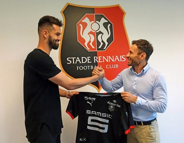 Ze Sparty do Rennes! Brankář Tomáš Koubek (vlevo) a jeho manažer Viktor Kolář.