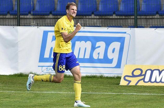 Tomáš Poznar ze Zlína se raduje z gólu.