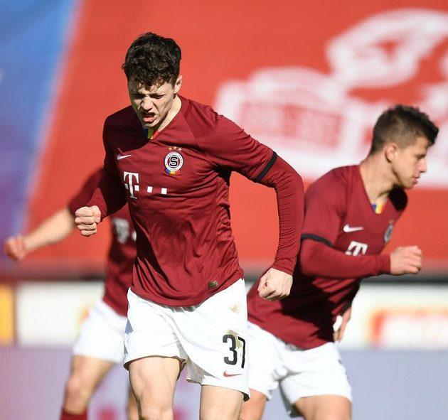 Sparťan Ladislav Krejčí mladší slaví gól ve čtvrtfinálové partii MOL Cupu s Jabloncem