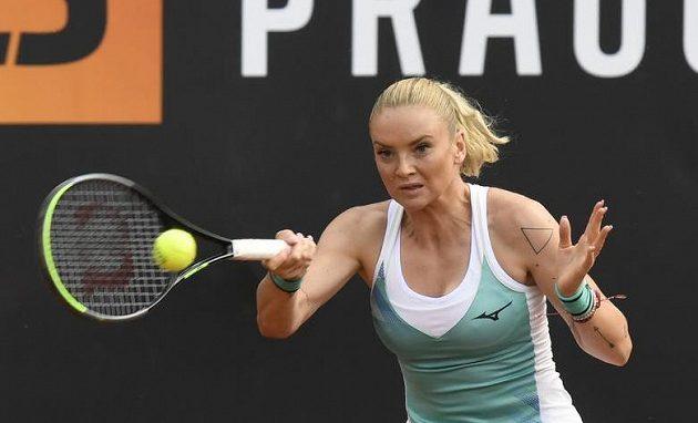 Tenistka Tereza Martincová ve finálovém utkání tenisového turnaje žen LiveScore Cup proti Karolíně Plíškové.