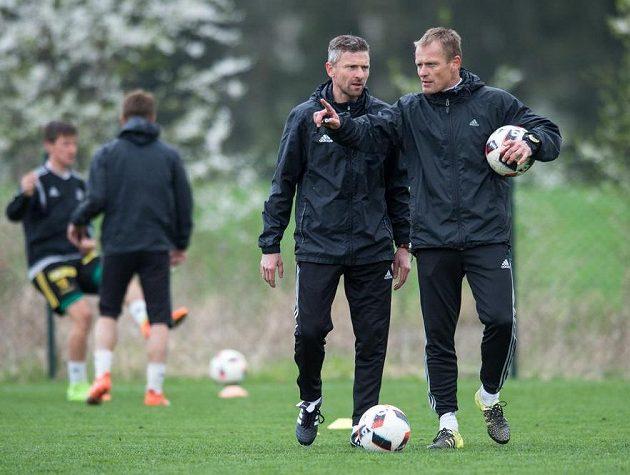 Nový trenér Bohemians 1905 Martin Hašek (vlevo) a asistent Dalibor Slezák během tréninku v Uhříněvsi.