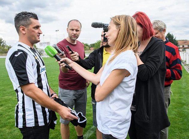 Tady bude Feninovo... Fotbalový internacionál je po přestupu do FK Řeporyje středem zájmu.