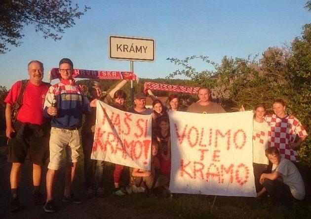 Krámy v den čarodějnicového ohně zakládají Fan Club Andreje Kramariče.