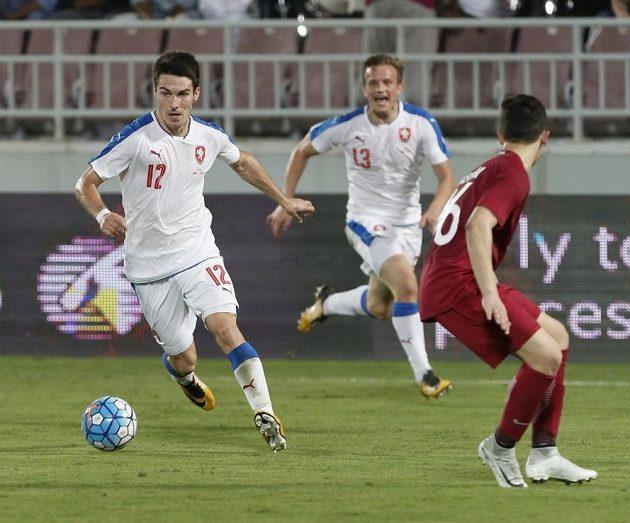 Robert Hrubý rozjíždí další útok v utkání s Katarem.