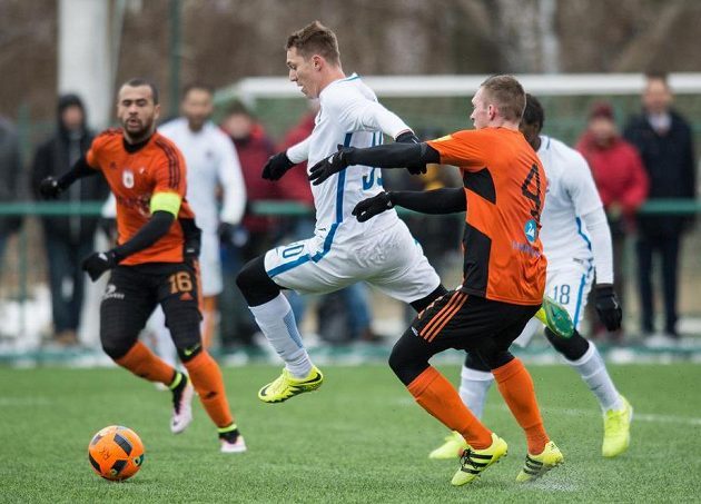 Sparťan Lukáš Juliš dává gól Ružomberoku.