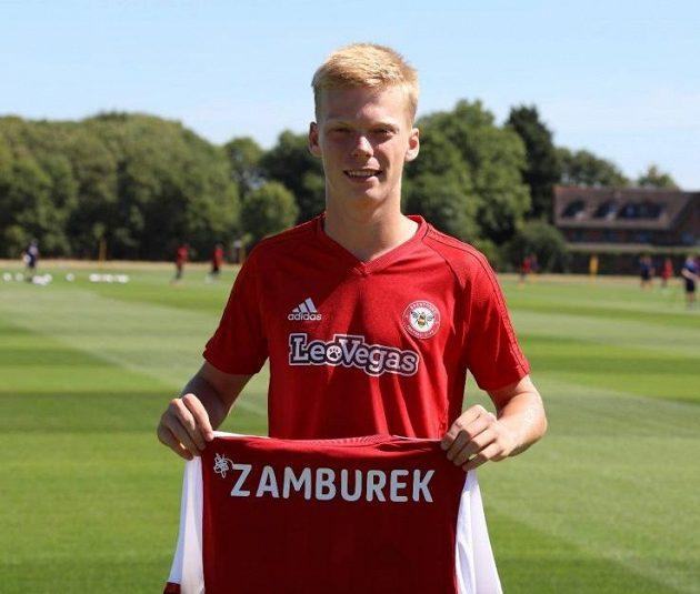 Talentovaný Jan Žambůrek podepsal tříletý profesionální kontrakt v anglickém klubu Brentford FC.