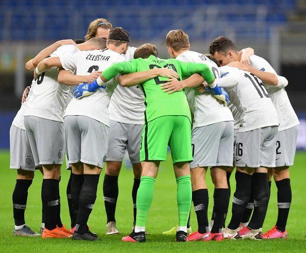 Fotbalisté Sparty před zápasem s AC Milán na San Siru.
