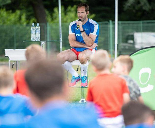 Brankář Petr Čech během tréninkového kempu Škola Petra Čecha v Nymburce.