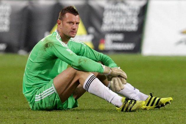 Naštvaný brankář Jan Laštůvka z Karviné po skončení zápasu.