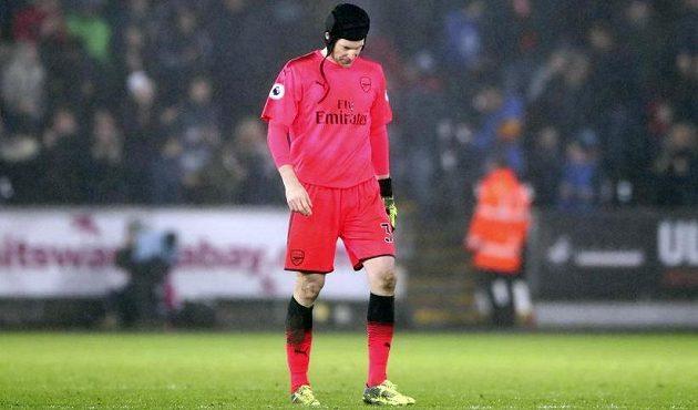 Gólman Arsenalu Petr Čech byl po prohraném utkání na půdě Swansea hodně zklamaný. Věděl, že chyboval.