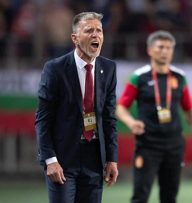 Český trenér Jaroslav Šilhavý během utkání s Bulharskem.