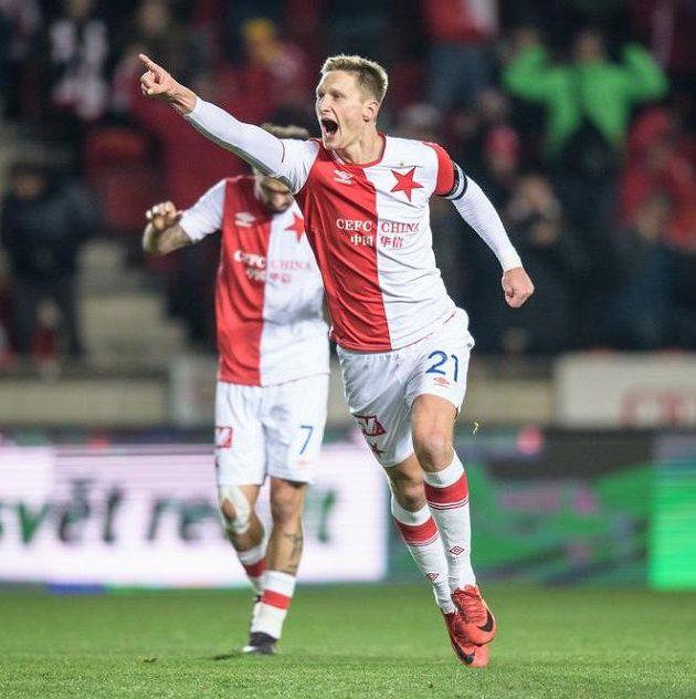 Milan Škoda ze Slavie oslavuje svou první branku do sítě Dukly.