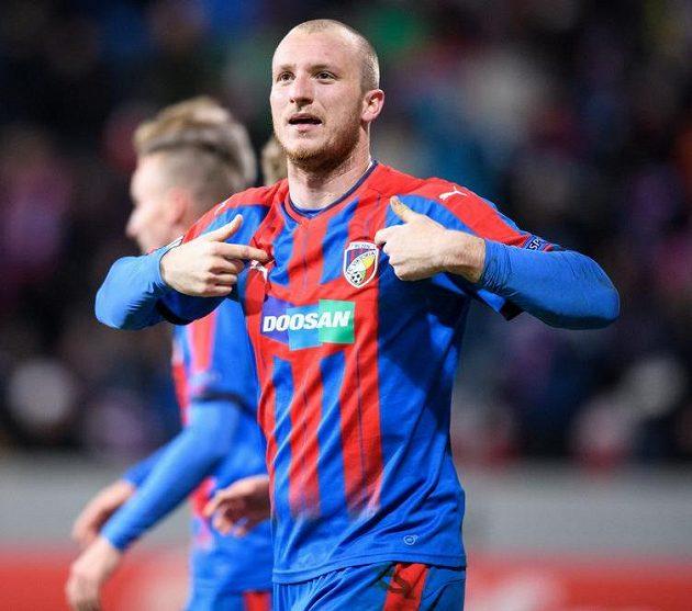 Michal Krmenčík oslavuje gól na 1:0.