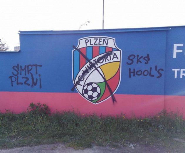 Autogram fotbalových chuligánů Slavie.