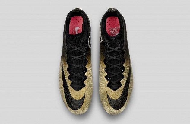 Ve zlatých kopačkách pro čtvrtý Zlatý míč...?