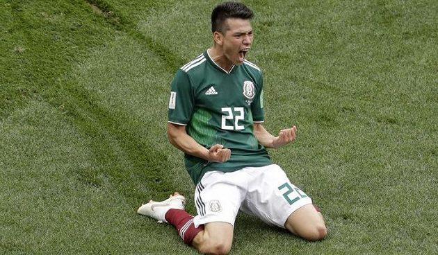 Mexická euforie. Hirving Lozano slaví, právě vstřelil na mistrovství světa gól Německu.
