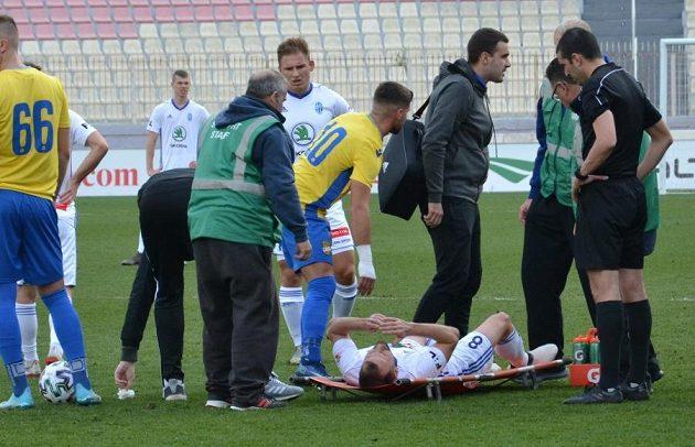 Špílmachr fotbalistů Mladé Boleslavi Marek Matějovský se na soustředění na Maltě během zápasu vážně zranil.
