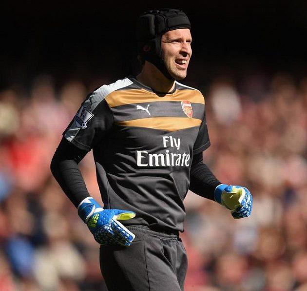 Petr Čech se vrátil do branky Arsenalu...