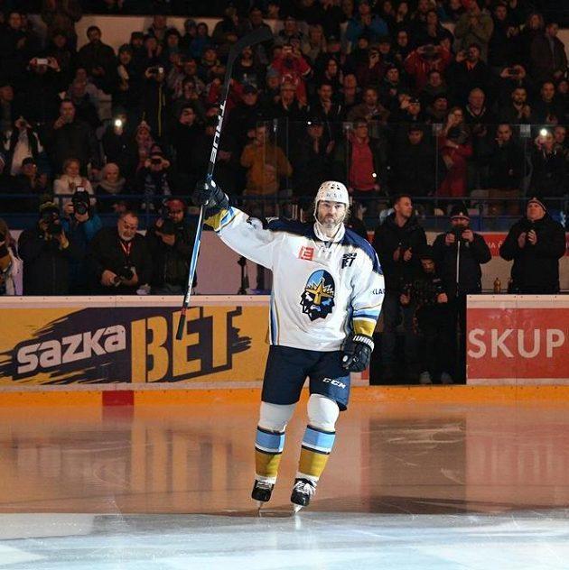 Vítej doma! Jaromír Jágr nastupuje na kladenský led.