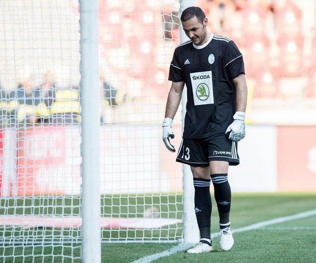 Brankář Mladé Boleslavi Kamran Agajev po neskutečném třetím obdrženém gólu na Slavii.