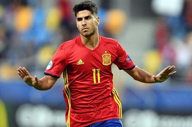 Španěl Marco Asensio slaví. Záložník Realu Madrid se proti nováčkovi šampionátu Makedonii blýskl hattrickem.