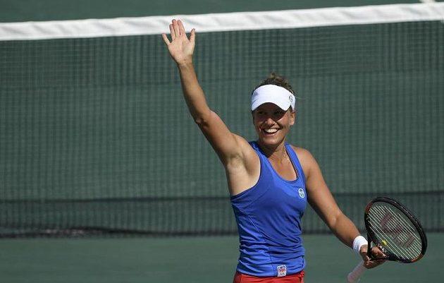 Radost tenistky Barbory Strýcové, která v prvním kole olympijského turnaje porazila Belgičanku Wickmayerovou.