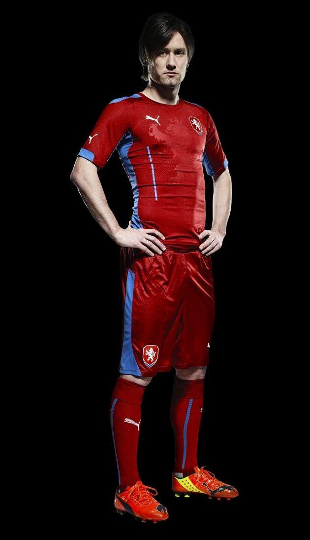 Kapitán Tomáš Rosický v novém dresu národního týmu.