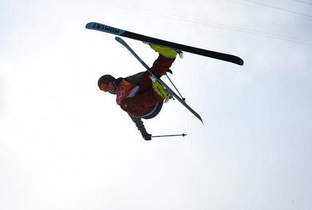 Zase zlato! Americký akrobatický lyžař David Wise obhájil olympijské vítězství v U-rampě ze Soči.