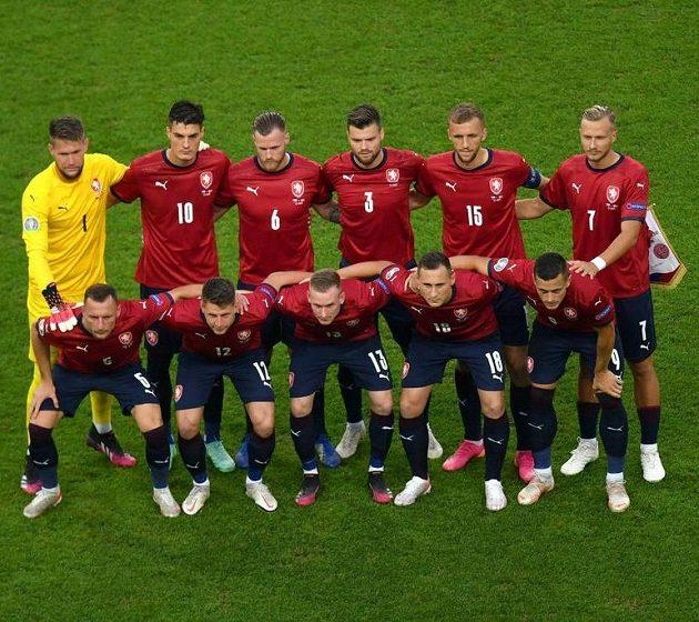Český tým před čtvrtfinále s Dánskem.