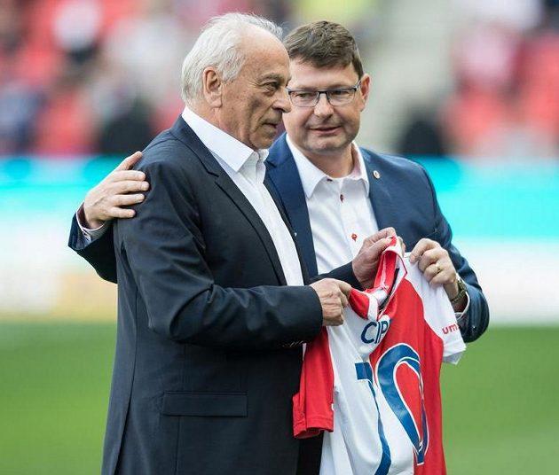 Bývalý trenér Slavie František Cipro a generální ředitel klubu Martin Krob před derby se Spartou.