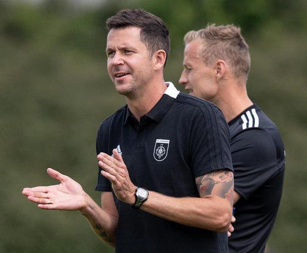 David Holoubek a Jiří Jarošík, noví trenéři Ružomberku, během utkání se Spartou.